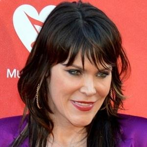Beth Hart Biography