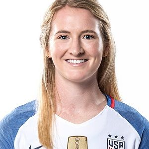 Samantha Mewis Biography