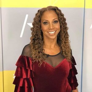 Holly Robinson Peete Biography