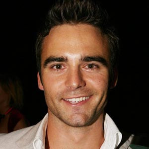 Dustin Clare Biography