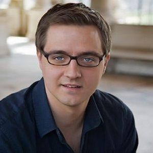 Chris Hayes Biography