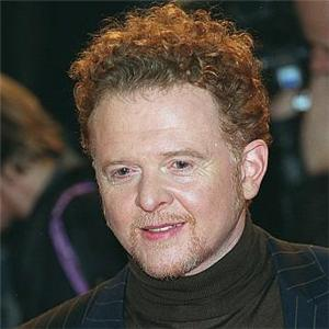 Mick Hucknall Biography