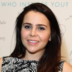Mae Whitman Biography