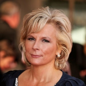 Jennifer Saunders Biography